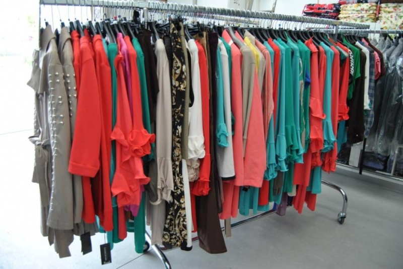 Clothes Lots  Stocker Italia
